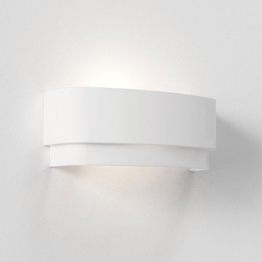 astro-amat-320-white-ceramic-wall-light-p17402-52904_image