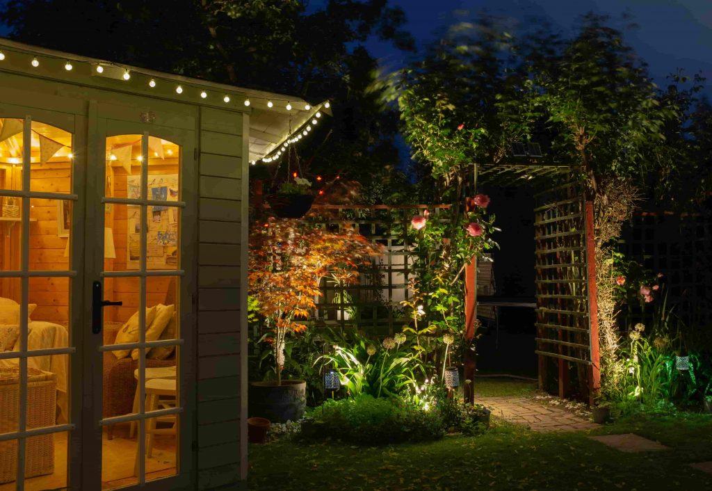 Orange-Garden-lit